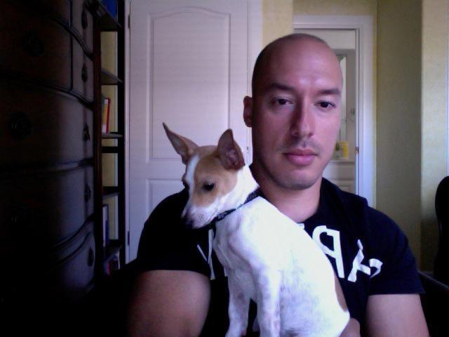 dog walker Rafael