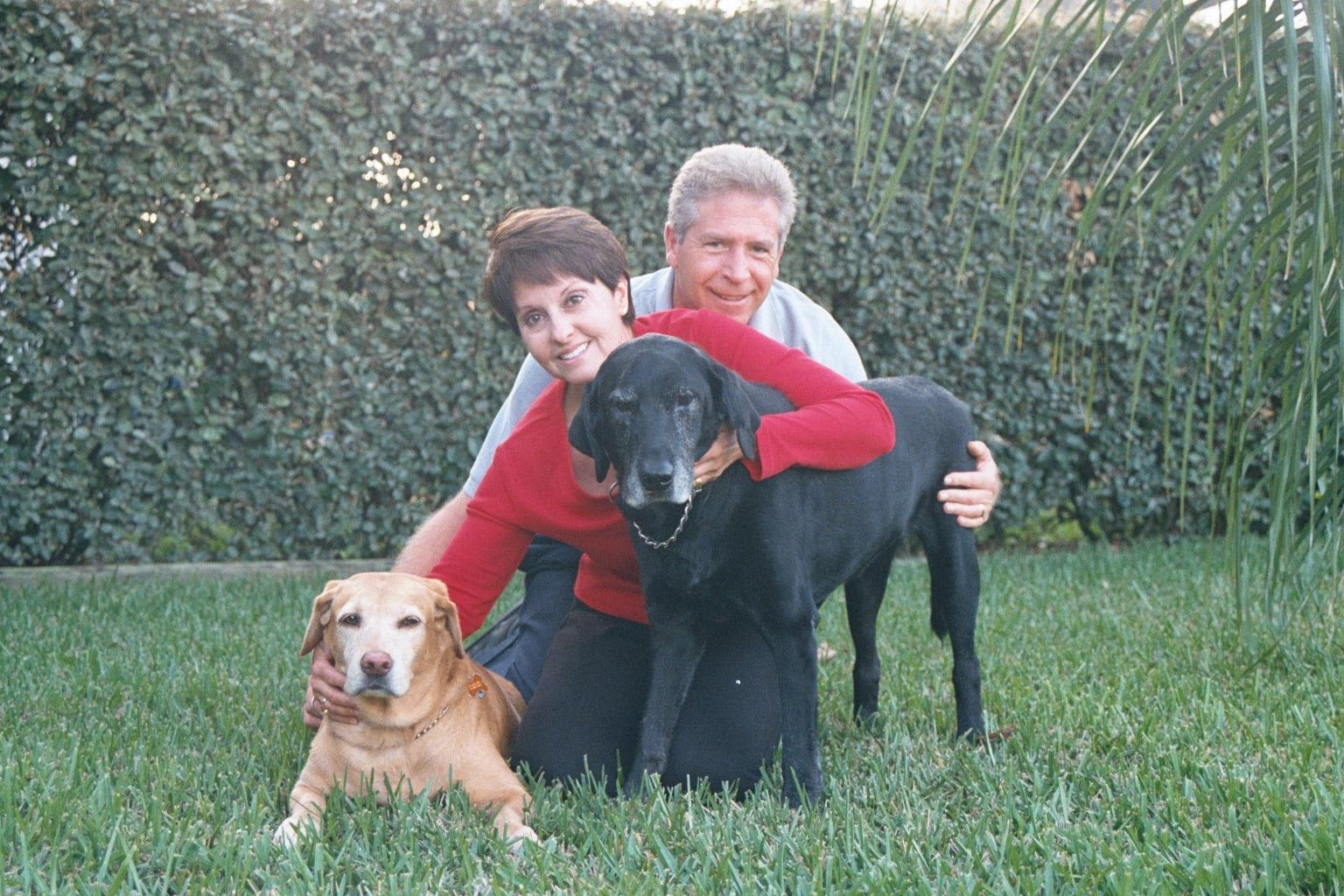 dog walker Mac & Mari